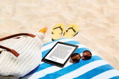 AuraONE_Lifestyle_Beach+Reading_Reading+Screen_BRPT_6079fea1-b8ea-485b-b8d9-6ad24efc0370-prv